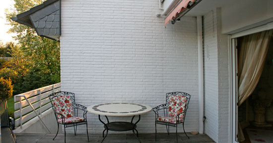 Fassadenmalerei, Hofmauer, Zustand vorher, Gartenmauer, Wandmalerei