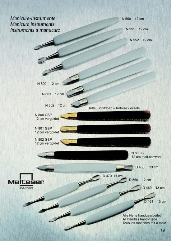 Katalogseite 19 mit Abbildungen Maniküre Instrumente / Manicure Instruments / Instruments à manucure