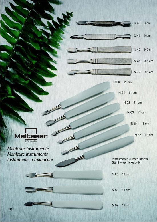 Katalogseite 18 mit Abbildungen Maniküre Instrumente / Manicure Instruments / Instruments à manucure
