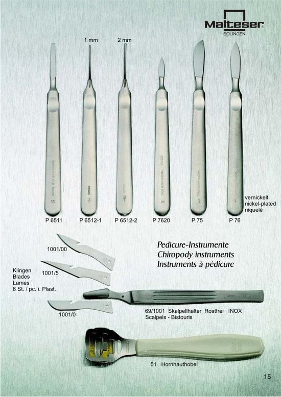 Katalogseite 15 mit Abbildungen von Pediküre Instrumente / Chiropody instruments / Instruments à pédicure