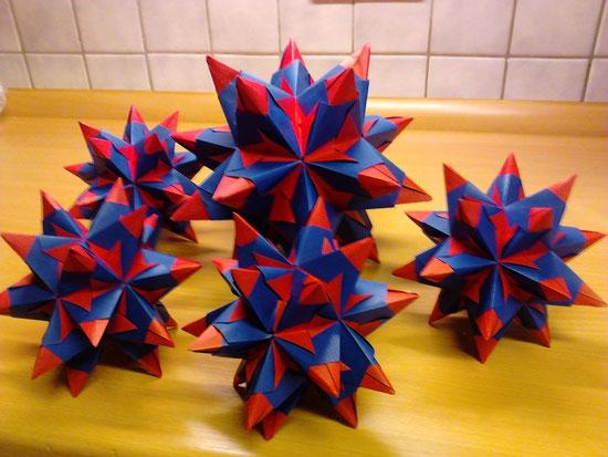 rot-blaue Bascetta Sterne