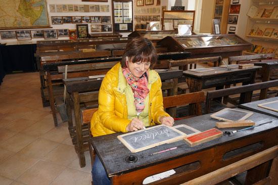 In occasione dell'annuale presenza alla Fiera di Agriumbia di Bastia, dell'associazione commercianti di Hoechberg, cittadina gemellata con Bastia, ha fatto visita al Museo della scuola la gentile signora Andrea Hettiger, ha voluto visitare il Museo della