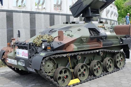 実物大プラモデル「ヴィーゼル空挺戦闘車」の展示と水ロケットの打ち上げ