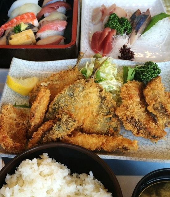 じゃ~ん地魚ミックスフライ定食!!