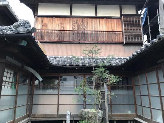はかり屋の中ほどに【癒しの空間 yururi】があります。