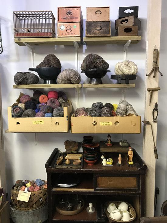 越谷 羊毛と古道具の店 ソウイ