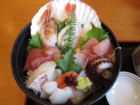 大漁海鮮丼デカイ(^O^)