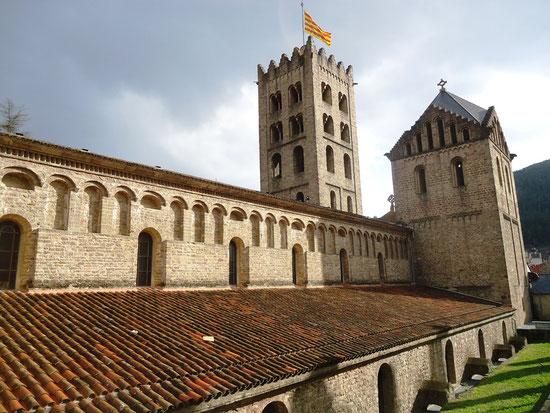 Санта-Мария де Риполь - самые живописные монастыри Каталонии