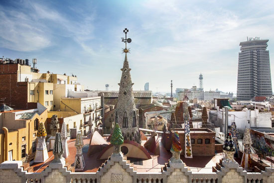 Дворец Гуэля в Барселоне - крыша