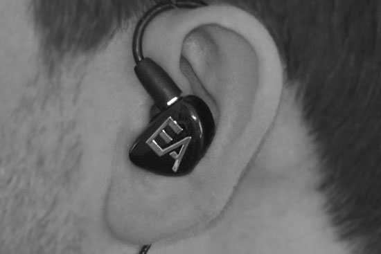 Comment porter des in-ear monitors Erdre Audio