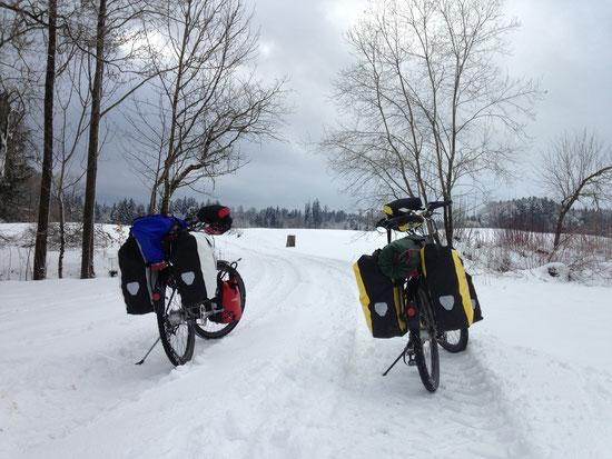 zugeschneite Wege: hier machen wir einen Schnitt von max. 10km/h