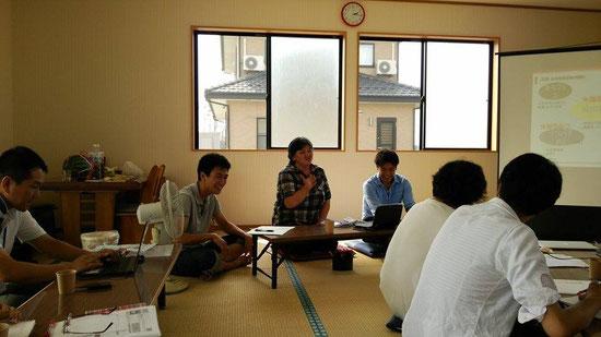 スタッフの喜田さんが、竹森所長を徹底的にいじる、漫談のようなプレゼン。抱腹絶倒でした。