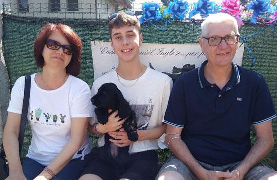 Fiesta Dellyllè e la sua famiglia