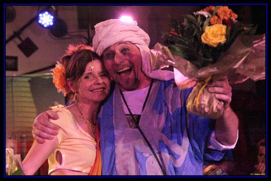 Avec son mari Jean-Luc, ici dans le rôle de Hassan, personnage récurrent des spectacles de Tassa N'Aguena