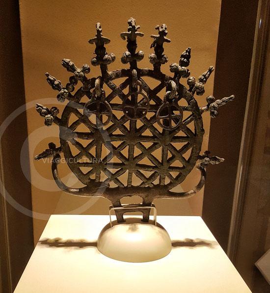 Disco solare ittita, II millennio a.C. - Museo delle Civiltà Anatoliche, Ankara