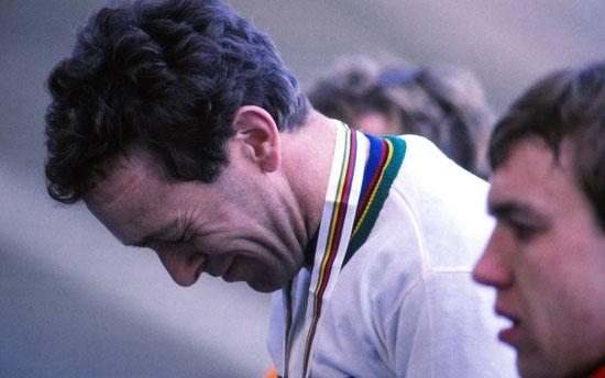 Freudentränen 1985: Cross-Weltmeister Klaus Peter Thaler (rechts Claude Michely) – H.A.Roth/roth-foto.de