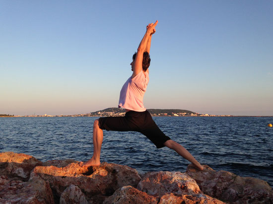 Yoga-Übung Held (Variante)