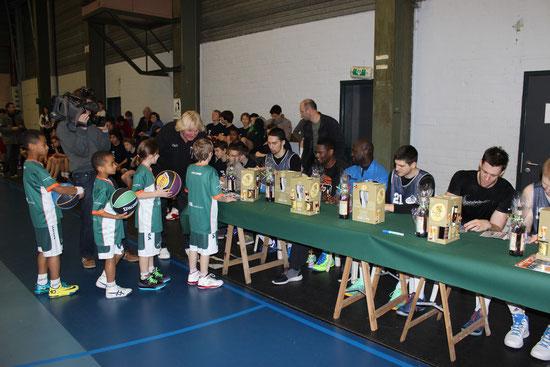RWB - Xmas camp 2013 - visite de la Division 1 Brussels Basic  Fit