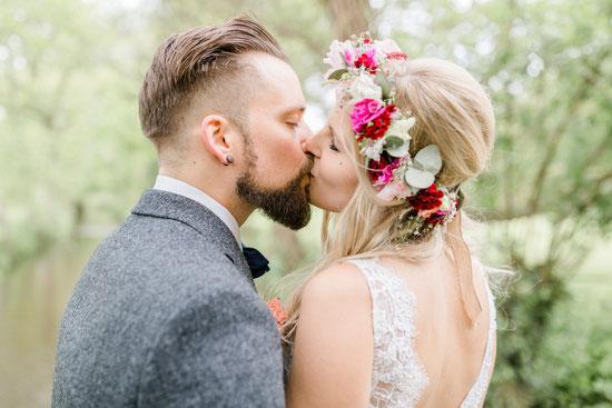 Eine Hochzeit in der Pfalz - Freie Trauung von Jasmin und Silvio - Foto: Isabell Kauther Fotografie