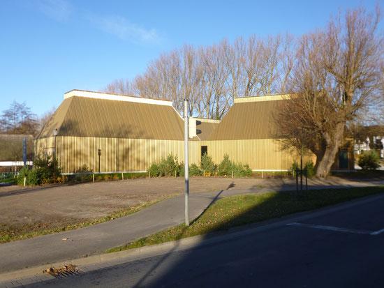 Neues Kunstmuseum direkt gegenüber Grundstückseinfahrt
