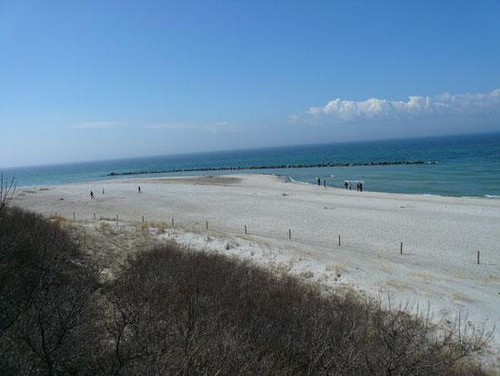 Strand - ca. 200 m von der Fewo entfernt