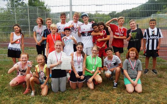 Die Burgsinner Mannschaft beim Mittelschulcup: Stolze Gewinner der Silbermedaille