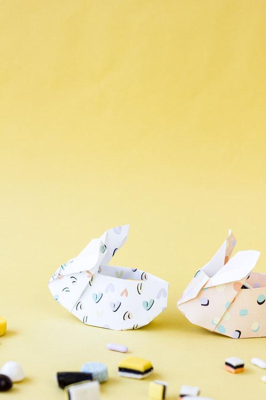 Bild: kreative DIY Ideen als Alternative zum Osterkorb, DIY Origami Hase alls Geschenkverpackung von Studio DIY,  gefunden auf Partystories.de