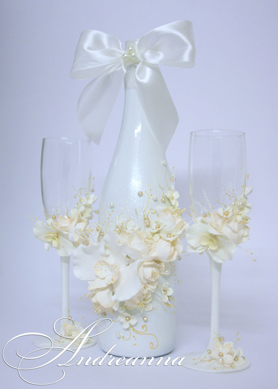 Шампанское «Грани любви», цветы ручной работы, цветовое решение жемчужный, белый, персиковые нотки и вкрапление золота. Возможно создание в любом цветовом решение. Стоимость 650грн.