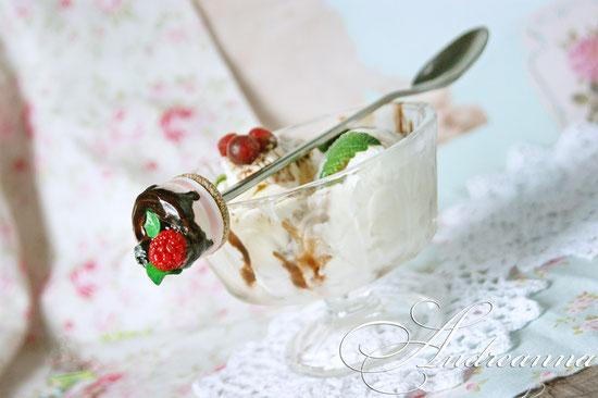 Чайная ложечка с тортом 450грн(в любом цвете).