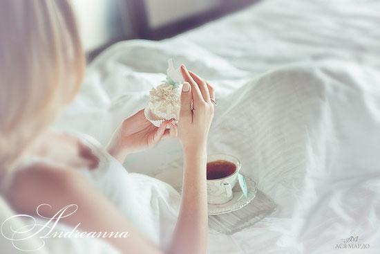 Декоративное пирожное для «завтрака невесты», и именные пакетики чая. (все «сладости» не съедобные, (в натуральную величину), созданы с художественных материалов, для фотосессии, Love Story, транспортировки на острова и т.д.) стоимость 100грн