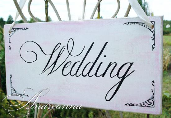 состаренная деревянная табличка «wedding», в бело-розовых тонах, (возможно изготовление в любом цвете) стоимость 150грн. (примерные размеры 20Х40см.)