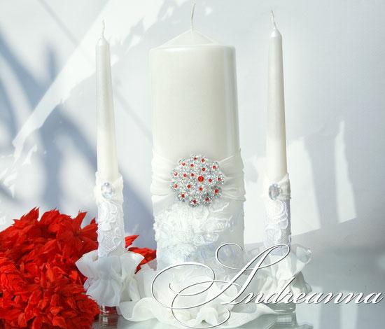 Свадебные свечи «снежная королева» нежный перламутрово- молочный тон, с вкраплением алого. Стоимость 650грн
