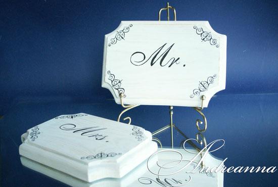 Таблички «Mr. & Mrs.», стоимость пары 100грн(13$).
