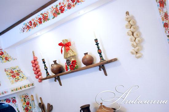 элементы декора ручной работы, роспись стен - масло.