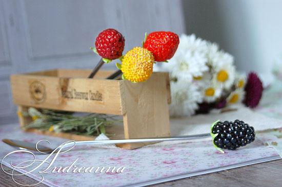 Чайная ложечка с ягодкой (ягодка на Ваш выбор) стоимость 300грн