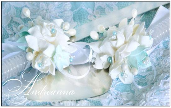 Украшение для лопатки и ножа «Бирюзовая фрезия и гардения» цветы ручной работы. Стоимость 200грн