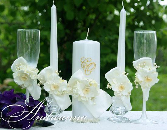 Перламутровые свадебные свечи «Цветочный бант», цветы ручной работы, инициалы. Стоимость набора (2 тонких свечи и одна большая) 600грн.