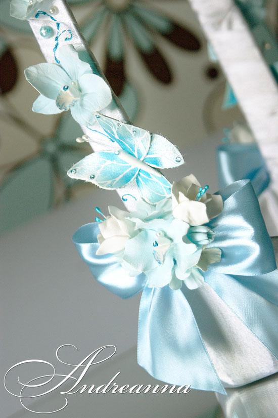 Чехол для шампанского «Порхающие бабочки».  Роспись, цветы/бабочки ручной работы. Стоимость 1 чехла 550грн. Стоимость корзины для шампанского 350грн