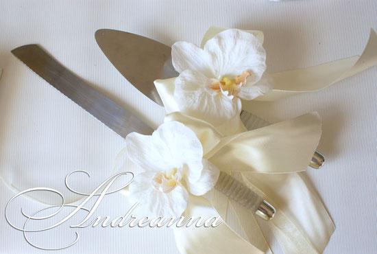 Украшение Тропическая орхидея 50грн, (предметы клиента), выполняется в любом цвете. (орхидеи искусственные (тканевые) возможно изготовление орхидей ручной работы, стоимость украшений 250грн;