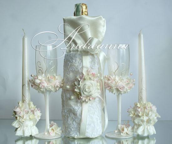 Чехол для шампанского «Жемчужная фрезия и гардения» с кружевами. Стоимость 550грн. Возможно изготовление в любом цветовом решение.