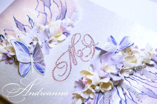 Папка для свидетельства «Порхающие бабочки».  Роспись по ткани, цветы/бабочки ручной работы. Стоимость 750грн.