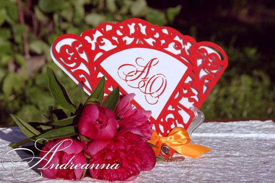Ажурные пригласительные веера «Фламенко», именные, в 4 слоя, с бантом и подвесочкой – веером. Перламутровая дизайнерская бумага. Стоимость 50грн 7$