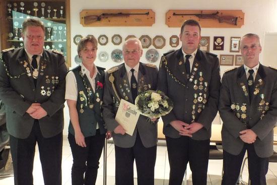 v. l.: 1. Vorsitzender Michael Prange, Katja Beckmann, Ronald Lührs, Frank von der Heide,  2. Vorsitzender Helmut Pick (Foto: S. Hollander)