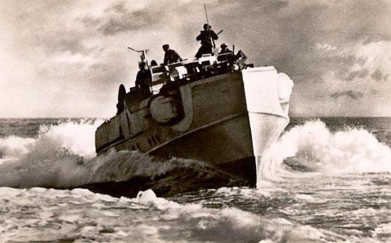 Boot vom Typ S 30 im Mittelmeer - Bild: Archiv Makarow