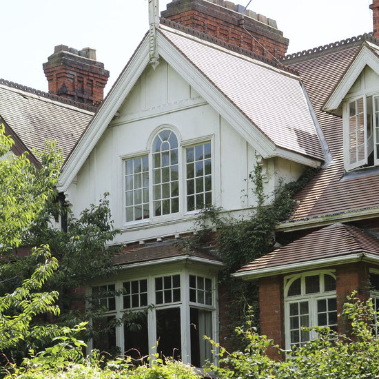 """La casa dalle """"finestre alte"""", nel bel mezzo di Pearson Park, che fu la dimora di Larkin"""
