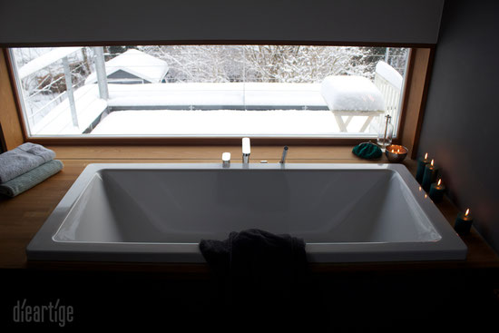 badewanne mit schneeausblick dieartige raum gestaltung. Black Bedroom Furniture Sets. Home Design Ideas