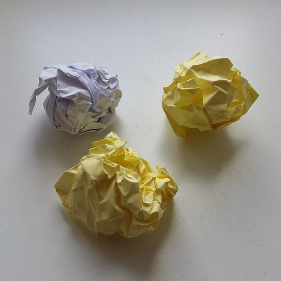 Jonglierbälle selber gemacht aus Papier