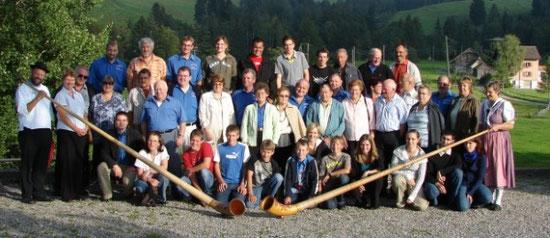 Altes Gruppenfoto bei einem Vereinsausflug