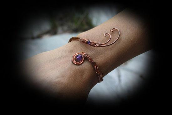 Okeïna créatures - bijoux elfiques artisanaux - Manchette Paon