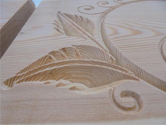 Holzschild mit Gravur